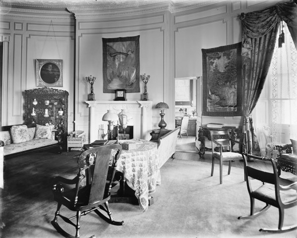 yellow-oval-room-c1910